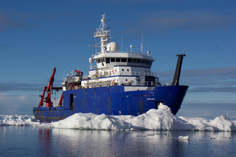 Sikuliaq in ice